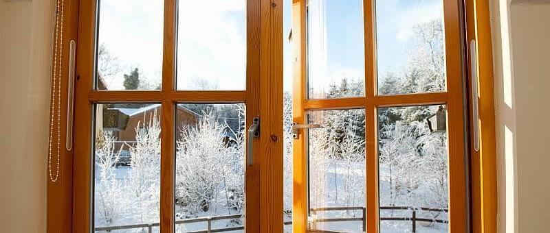 Акции и скидки по деревянным окнам