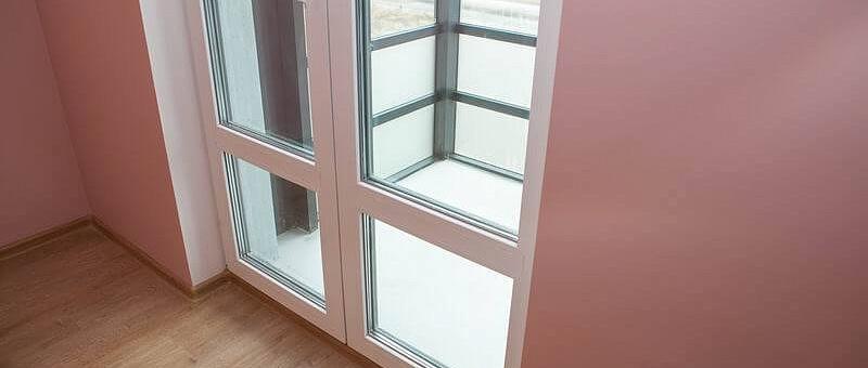 Двери на балкон и лоджию